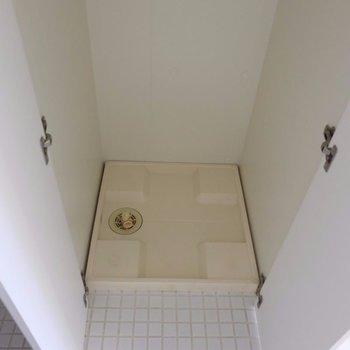 洗濯機を扉で隠せます ※写真は2階の同間取り別部屋のものです。