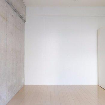 空間をわけられる!※写真は2階の同間取り別部屋のものです。