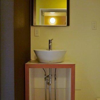 ちょこんとかわいい洗面台!※写真は同タイプの別室