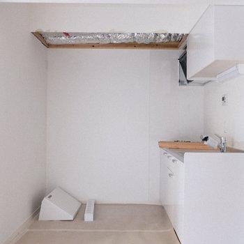 奥行きも幅もある広々キッチン!(※写真は1階の同間取り別部屋、工事中のものです。)
