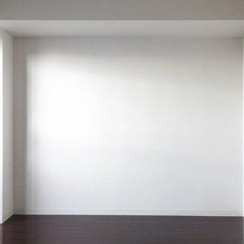 北側は白壁。