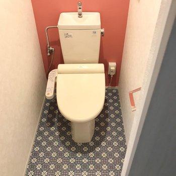 トイレ可愛い〜!もちろんウォシュレット付き! (※写真は保修前のものです)