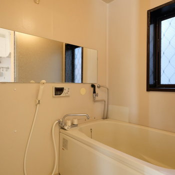 浴室はシンプル!※写真は前回募集時のものです