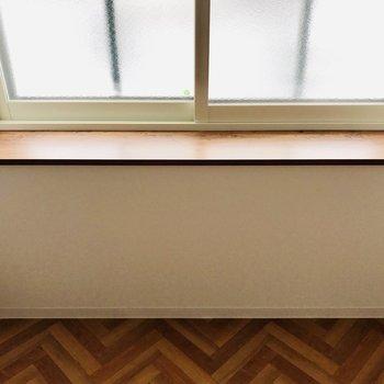 出窓には何を置こうかしら。