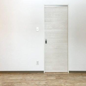 この扉の先は脱衣所