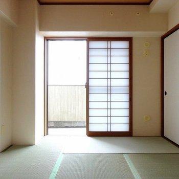 和室は6帖。憩いの場にぴったり♬(※写真はモデルルームです)