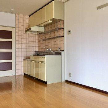 キッチン横が冷蔵庫置場になりそうです。