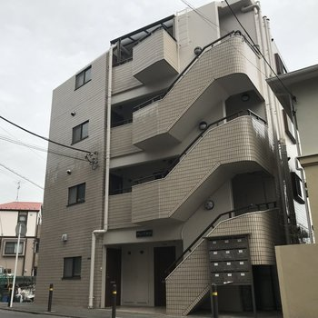 4階建ての鉄筋コンクリート造マンション!