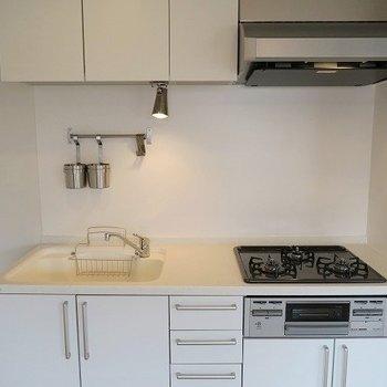 【イメージ】キッチンは3口ガスのシステムキッチン!