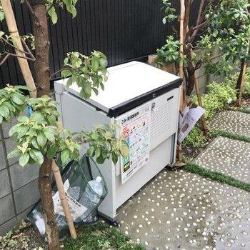 ゴミ置き場は共用部に設置済。