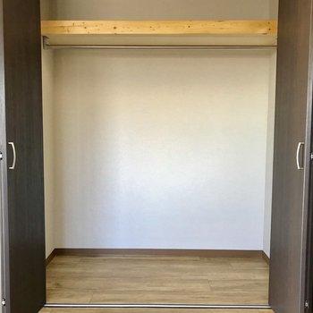 【5.5帖洋室収納】容量があるので迫力がありました※写真は、通電前のものです