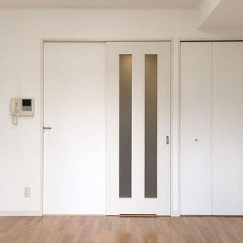 ナチュラルで使いやすいお部屋。※写真は5階の同間取り別部屋のものです