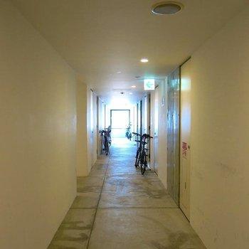 廊下に自転車置くのがかっこいい…