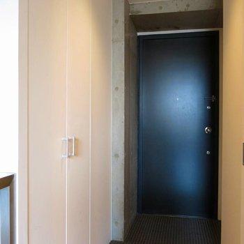 くつ箱あり!※写真は7階の反転間取り別部屋のものです