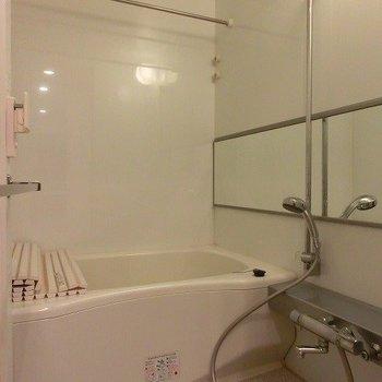 お風呂も広いですね〜※写真は12階の同間取り別部屋