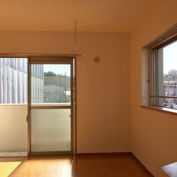 日当たり風通し◎!※写真は3階の同間取り別部屋のものです