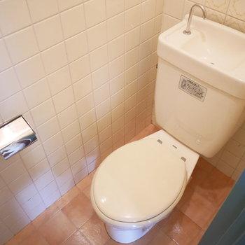 トイレはシンプルな手洗い付のもの(※写真は前回募集時のものです)