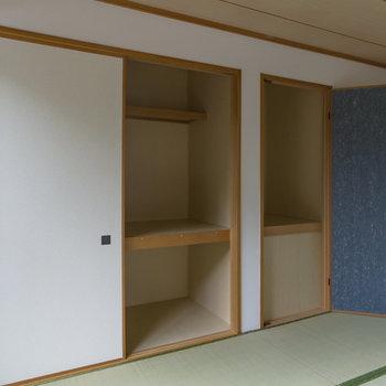 【2階和室】とにかく収納が多い。かくれんぼしたくなりますね。