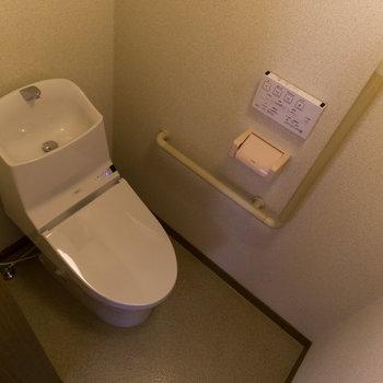 【1階】トイレも綺麗ですね。それでは、2階を見に行きましょう。