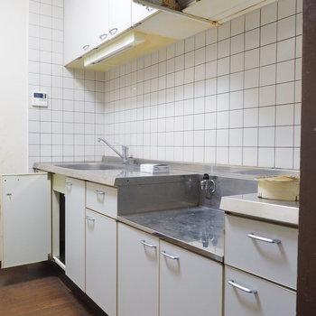 【工事前】キッチンはまるごと交換します!