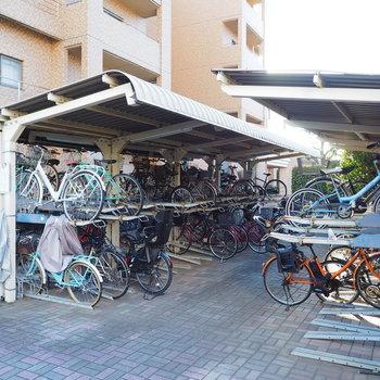 自転車置き場もしっかりと!