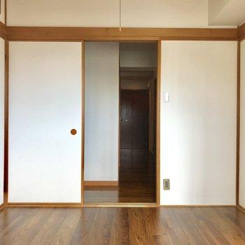 【洋室①】廊下に出てみましょう