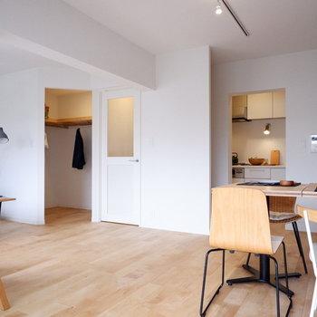 どこにでも居場所が作れる感じ、素敵です、、※家具・小物はサンプルです