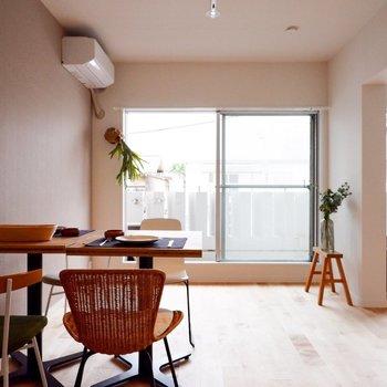 ダイニングテーブルを置いても広々※家具・小物はサンプルです