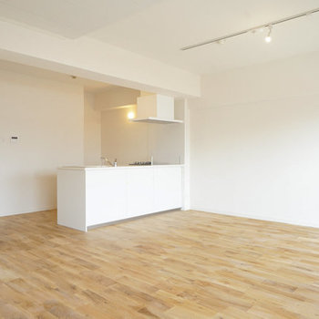 【イメージ】大きなお部屋にはカウンターキッチンがよく似合いますね◎