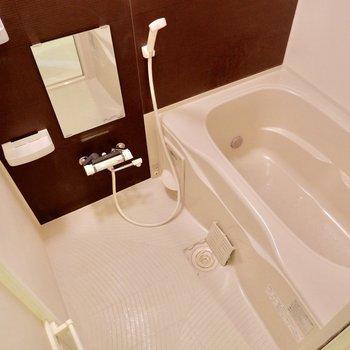 お風呂サイズ十分です♪※写真は4階の同間取り別部屋のものです