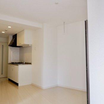洗濯物屋内にも干せます。※写真は4階の同間取り別部屋のものです