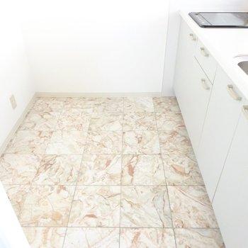 冷蔵庫と食器棚が余裕で置けます!