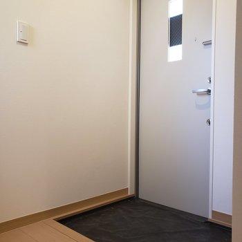 【1階】ゆったり玄関※ 写真は前回募集時のものです