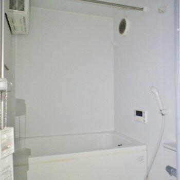 浴室乾燥機も完備!