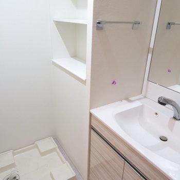 収納もしっかりある洗面脱衣所(※写真は3階の同間取り別部屋のものです)