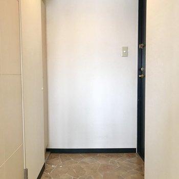 こちら玄関