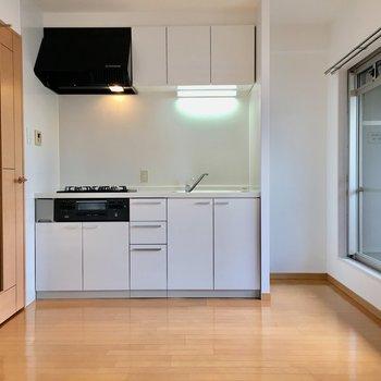 キッチン横のスペースに冷蔵庫を。(※写真は前回募集時のものです)