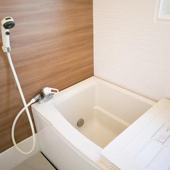 お風呂、浴槽も交換されてすごく綺麗でした!