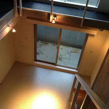 見下ろしたところ※写真は1階の反転間取り別部屋のものです。