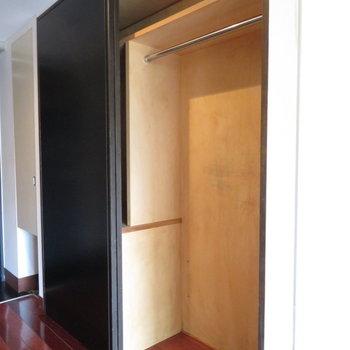 収納は引き戸を開けて※写真は4階の同間取り別部屋のものです