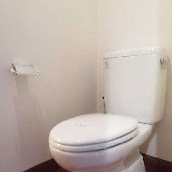 温水洗浄便座はついていません※写真は4階の同間取り別部屋のものです