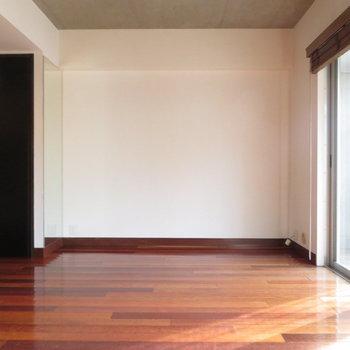 かなり印象が変わりますね※写真は4階の同間取り別部屋のものです