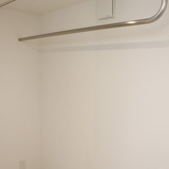 3F上がるとクローゼット※写真は2階の似た間取り別部屋のものです