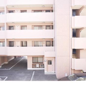 眺望は向かいのマンション