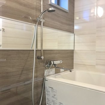 お風呂はラグジュアリーな雰囲気・・・♥しかも追い焚き&浴室乾燥つき。
