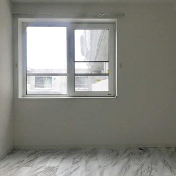 窓もついてますよ♪