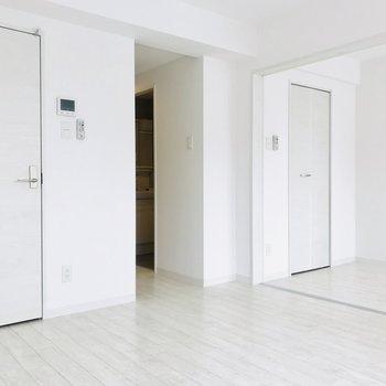 シンプルな内装のお部屋