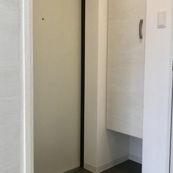 玄関はちょっと狭めかな?