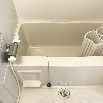 お風呂は小さめかも※同間取り別部屋です
