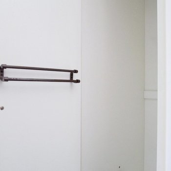 【洋6.5帖】収納も細かくわけられています。※写真はクリーニング前のものです